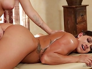 Jessa Rhodes pampers Aspen Rae Fantasy Massage